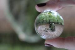 Tombeau de Merlin à travers la glassball